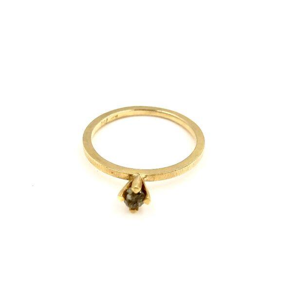Guld Ring - Lækker fin solitære med rå diamant - r653